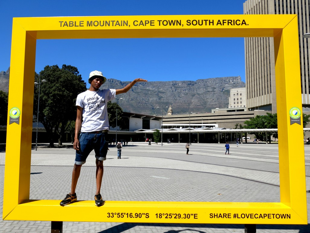 station-yellow-frame-table-mountain-cape-town